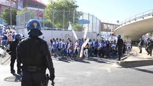 Treze adeptos detidos antes do 'clássico' entre Benfica e FC Porto