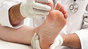 Unhas encravadas: cirurgia resolve problema nos pés