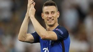 Koscielny anuncia a retirada da seleção francesa
