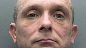 ADN trama pedófilo 30 anos depois de violar e matar duas crianças