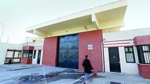 Guardas prisionais revoltados com três casos de Covid-19 na prisão da Carregueira em Sintra