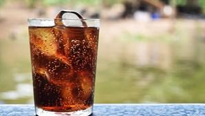 Homem morre por consumir quantidades exageradas de refrigerante