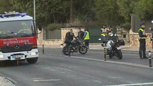 Jovem de 16 anos morre atropelado após colisão entre motos no Estoril