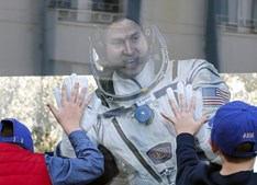 Astronautas da NASA foram obrigados a aterrar de emergência