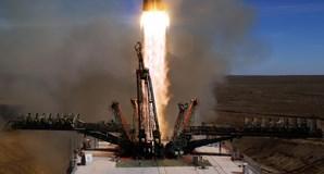 Lançamento da nave espacial Soyuz, no Cazaquistão