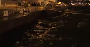 Vento e agitação marítima em Setúbal na passagem do furacão Leslie