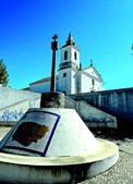 Largo da igreja matriz de alvorninha