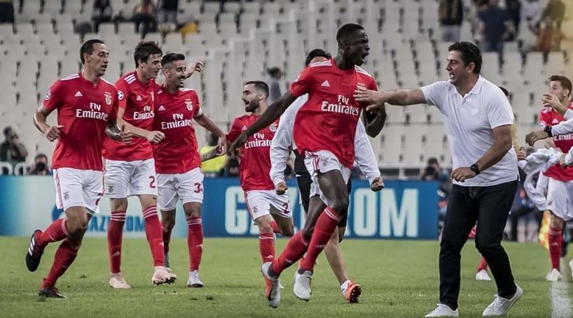 53b7adb161 Benfica conquista três pontos em Atenas e quebra ciclo negativo na Europa