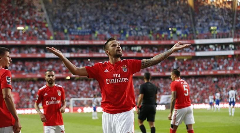 Resultado de imagem para Benfica bate Vitória de Guimarães com golo de Seferovic