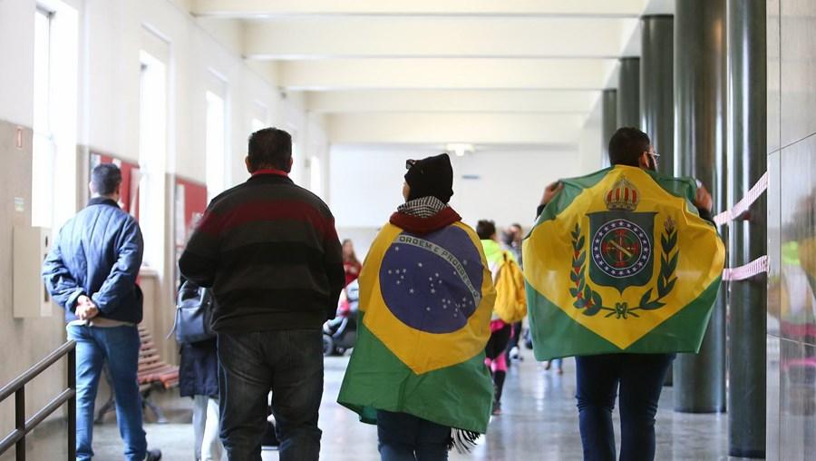 Brasileiros residentes em Portugal escolhem novo presidente do Brasil