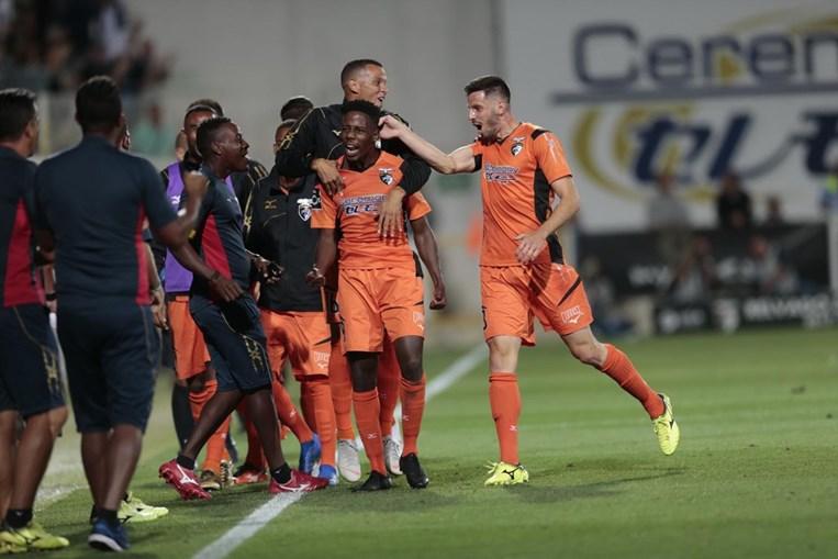 Algarvios deixam leões ainda mais atrasado na Liga