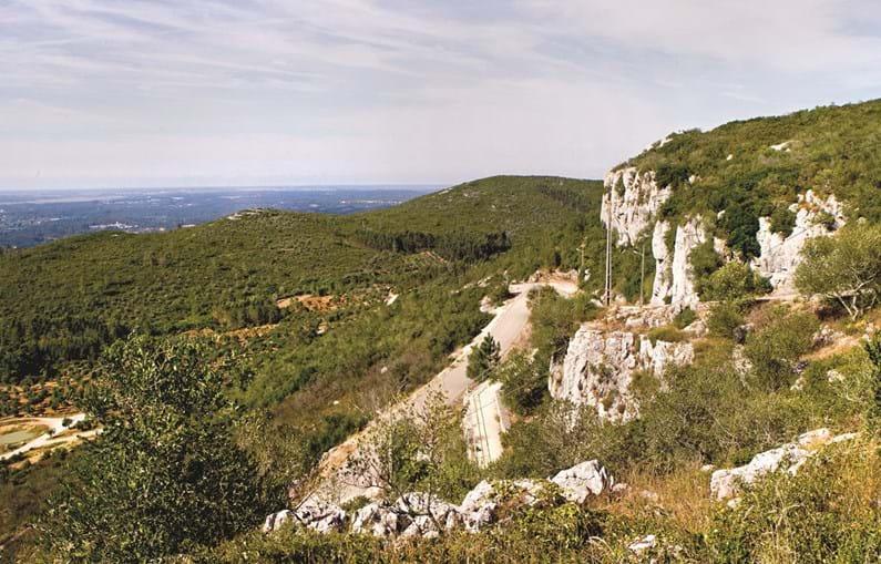 Da capela da Senhora da Estrela é possível observar parte da serra de Sicó