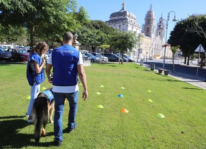 Pedro Paiva, especialista em comportamento animal, ajuda crianças
