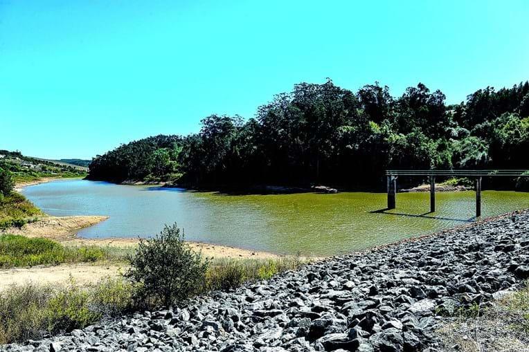 Barragem de Alvorninha tem vários locais de lazer