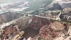 Autoridades removem blocos de rocha para procurar segunda vítima mortal de Borba