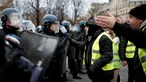 'Surpresa' é a arma dos 'coletes amarelos' na manifestação em Paris