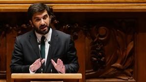 Ministro da Educação diz ter mais dinheiro mas deputados apontam perda de peso da pasta