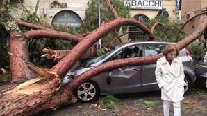 Mau tempo em Itália já tirou a vida a 20 pessoas
