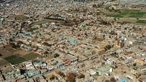 Explosão em Cabul faz 60 mortos e 70 feridos