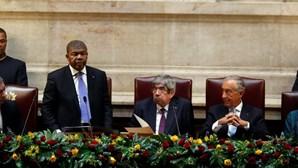 Maioria dos deputados do BE não aplaude João Lourenço