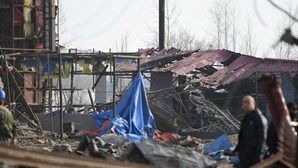 Explosão em fábrica na China faz pelo menos dois mortos e 24 feridos