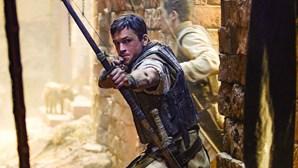 Robin Hood com pouca cabeça e muito músculo