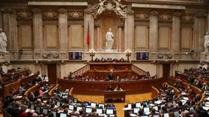 Parlamento confirma dois deputados infetados com Covid-19. Quatro estão em isolamento