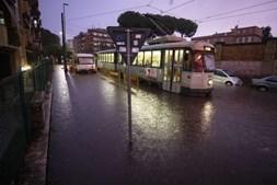 Mau tempo tem causado inundações em Roma, em Itália