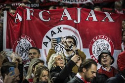 Adeptos do Ajax no Estádio da Luz
