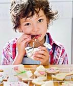 Açúcar não é recomendado a crianças diabéticas. Pais devem evitar dar doces aos filhos