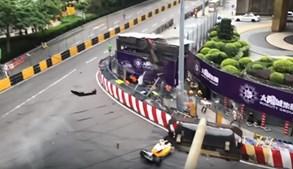 Cinco feridos em acidente com piloto alemã de 17 anos na corrida de Fórmula 3 em Macau