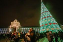 Lisboa inaugura iluminação de Natal