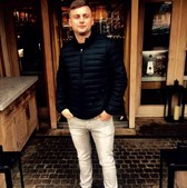 Campeão de poker morre com dose de heroína e cocaína 13 vezes superior ao normal