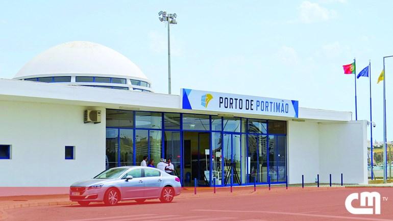 b11b9b359e4 Obras no porto de Portimão começam no próximo ano - Sociedade ...