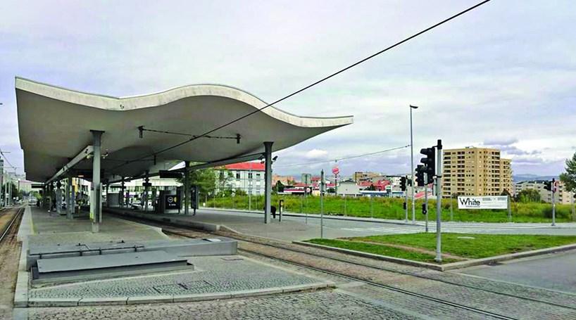 Parque com 256 lugares junto à estação D. João II em Gaia - Cidades ... 3f23178516958