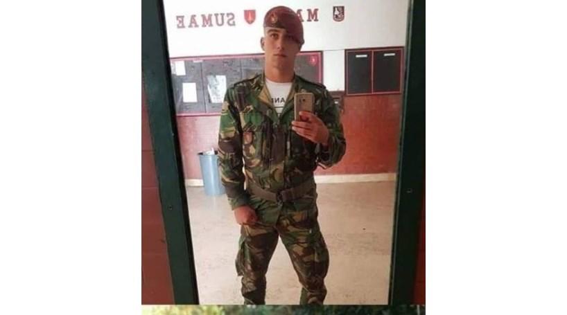 7bb90b7a2f8ac Comando assassinado por colega com tiro de G3 na Carregueira ...