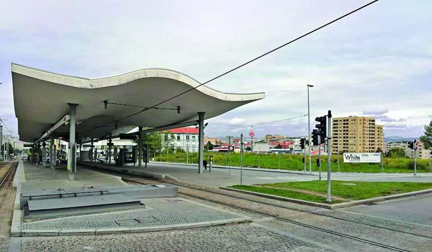Terreno junto à estação de metro D. João II, na avenida da República, será transformado em parque de estacionamento