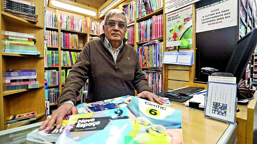 Abdul Gafar, dono da Livraria Isabsa, em Lisboa