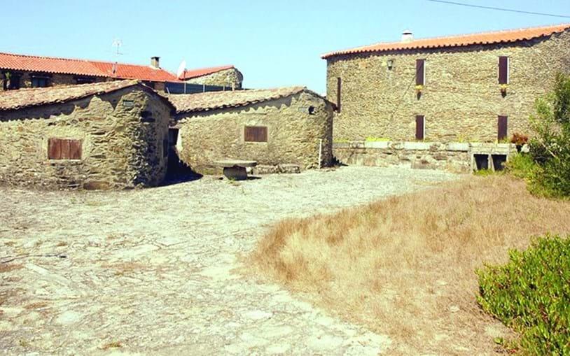 Construções edificadas há séculos poderão estar em perigo com a intervenção prevista no concelho de Esposende