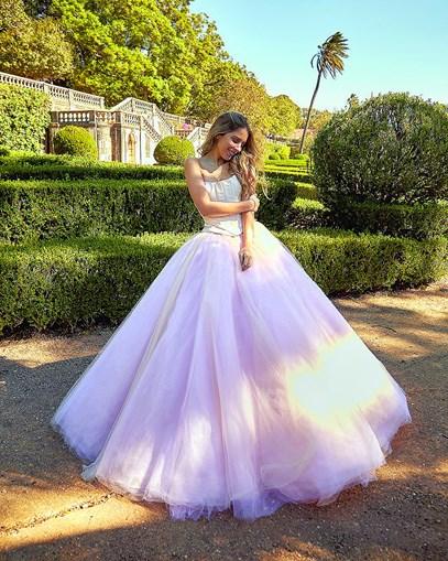 Sara Carreira protagoniza catálogo de noivas
