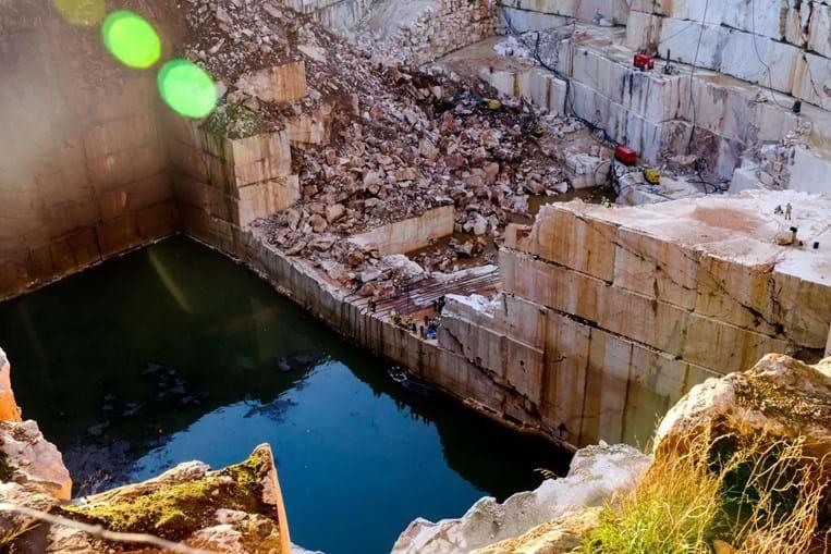 Operações de resgate na pedreira de Borba