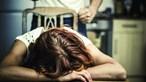 Pulseira eletrónica para suspeito de agredir companheira na Maia