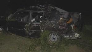 Carro cai em ravina em Gondomar e fere dois irmãos, um deles com 11 anos