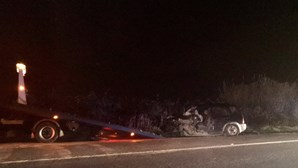 Cinco feridos em acidente com três viaturas na EN118 em Alcochete