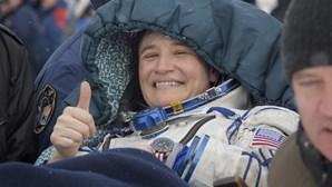 Três astronautas regressam à Terra após 197 dias no espaço