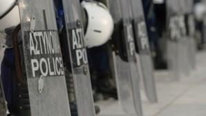 Explosão no centro de Atenas causa ferimentos em polícia