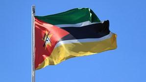 Dois camiões atacados por grupos armados no centro de Moçambique