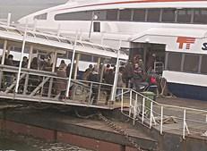 Passageiros invadiram catamarã em protesto contra atrasos