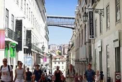 Turistas na zona do Chiado, em Lisboa