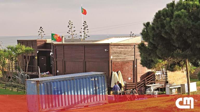 72e8bad3ec6 Restaurante vai ser demolido na praia dos Tomates em Albufeira ...